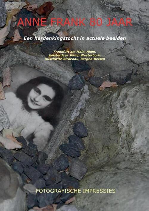 Afbeelding van Anne Frank 80 jaar (paperback, zwart wit)