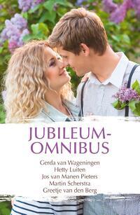 Jubileumomnibus 142-Gerda van Wageningen, Greetje van den Berg, Hetty Luiten, Jos Manen van Pieters, Martin Scherstra